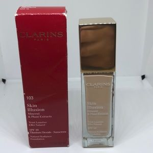 Clarins Paris 103 skin illusion Foundation.